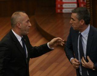 Kadri Veseli thumbon Ramush Haradinajn, tregon se a po shkon vendi drejt zgjedhjeve
