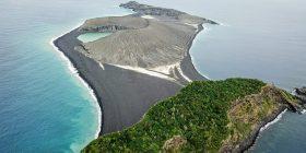Ishulli që u shfaq para katër vitesh në Oqeanin Paqësor, duket se do të qëndrojë përgjithmonë (Foto)