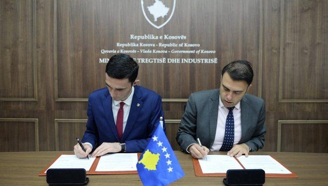Shala nënshkruan memorandum bashkëpunimi me Klubin e Prodhueseve të Kosovës për ta fuqizuar sektorin e prodhimit