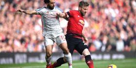 Derbi mes Unitedit dhe Liverpoolit përfundon pa gola, por me shumë lëndime