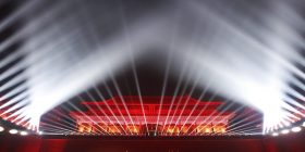 """Ndriçohet """"Qyteti i Ndaluar"""": Shfaqja e parë me drita, në pallatin e lashtë perandorak kinez (Video)"""