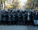 Përplasje mes policisë dhe protestuesve në Tiranë