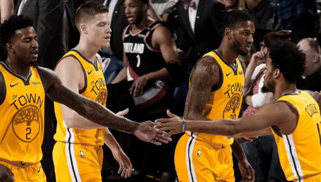 Portland i shkakton humbje Golden Statet, çereku i fundit fatal për kampionët