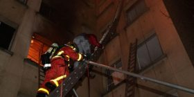 Shkon në dhjetë numri i viktimave nga zjarri në një ndërtesë në Paris
