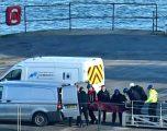 Dalin pamjet e nxjerrjes së trupit të gjetur në rrënojat e aeroplanit të rrëzuar të sulmuesit Sala