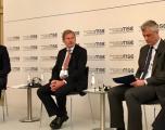 Thaçi diskuton me Vuçiqin para panelit në Konferencën e Sigurisë