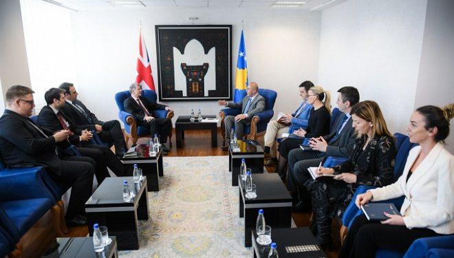 Haradinaj priti Drejtorin e Përgjithshëm për Çështje Politike në Ministrinë e Jashtme të Mbretërisë së Bashkuar, Richard Moore