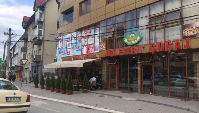Djali i furrtarit që vdiq dje në Gjilan, fton familjen e shoferit të kamionit në varrim: Ta ndajmë dhimbjen bashkë