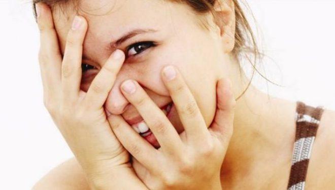 Pse skuqemi kur kemi turp? Metoda e cila largon skuqjen në fytyrë
