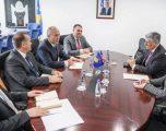 Haradinaj takohet me Kosnett – diskutohet për zhvillimin ekonomik dhe çështjet e sigurisë