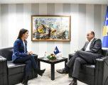 Hoxhaj për Hajdarin: Deputete e re me shumë potencial