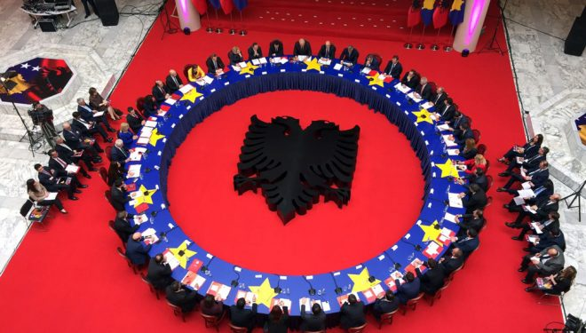 Kur do të hiqet roamingu mes Shqipërisë dhe Kosovës?