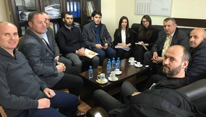 Komuna e Ferizajt premton zgjidhjen e problemeve për operatorët kabllorë