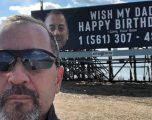 Babai pranoi më se 15 mijë telefonata, pas mahisë nga fëmijët e tij me reklamën ku kërkonin t'ia uronin ditëlindjen (Video)
