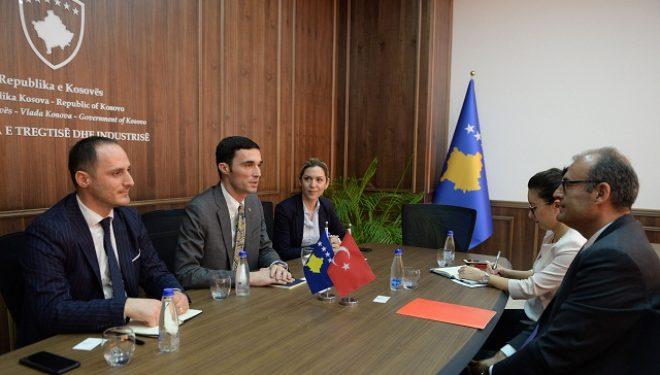 Ministri Shala takoi ambasadorin e Turqisë Sakar, dakordohen për thellim bashkëpunimi