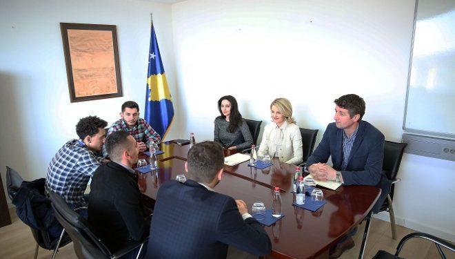 Ministrja Hoxha: Çdo pengesë për rininë tonë, është pengesë për integrimin euro-atlantik