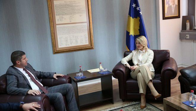 Hoxha takoi Njazi Thaçin, Nuk duhet lejuar vonesa në zbatimin e projekteve për mbrojtjen e ambientit