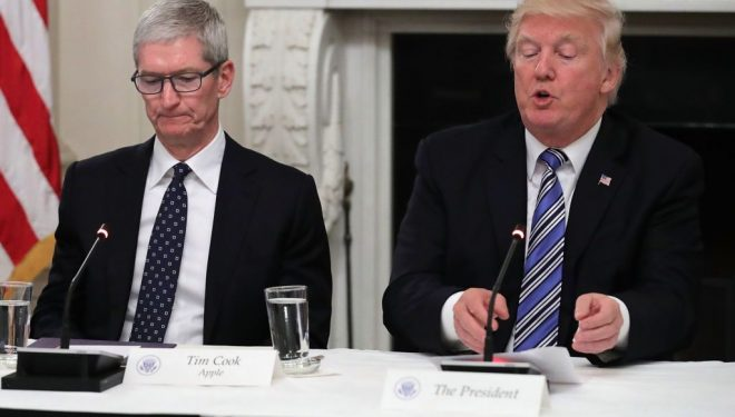 Trump mendon se ekzekutivi i Apple e ka emrin Tim Apple