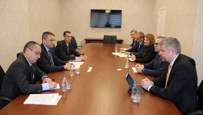 Guvernatori Mehmeti takoi delegacionin e IFC-së