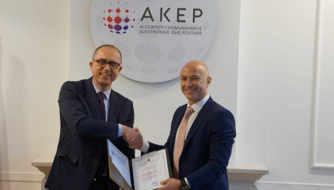 AKEP i dorëzon Vodafone Albania frekuencat e reja, pritet rritja e shpejtësisë së internetit