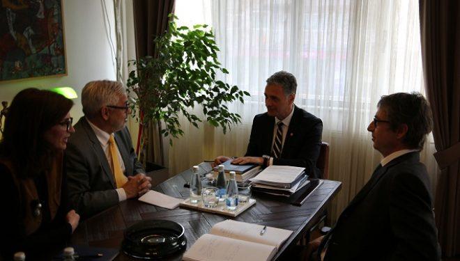 Kryeprokurori Aleksandër Lumezi takoi ambasadorin e Zvicrës në Kosovë, Jean Hubert Lebet
