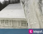 Stuhia dhe temperaturat e ulëta e kthyen shtëpizën e plazhit, në një skulpturë akulli (Foto)