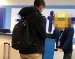 """Valixhja me e rëndë se pesha e lejuar? Ky pasagjer ka gjetur zgjidhjen për të """"mashtruar"""" punëtorët e aeroportit! (Foto)"""