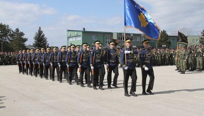 """Në kazermën """"Adem JASHARI""""u mbajt ceremonia ushtarake në nderim të 21- vjetorit të """"Epopesë së UÇK-së"""""""