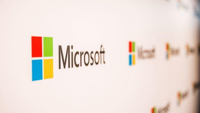 Windows 10 afër objektivit të 1 miliardë pajisjeve