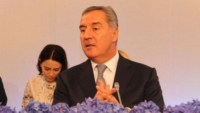 Gjukanoviq: Dialogu Serbi-Kosovë ka shpresë