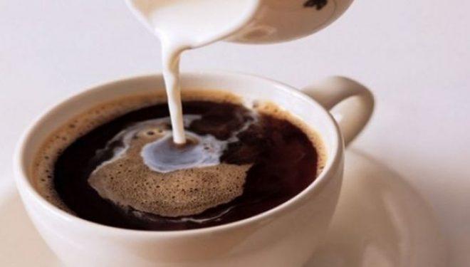Pasi ta mësoni këtë nuk do ta përzieni më kafen me qumësht kurrë