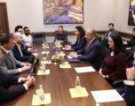 Pacolli u bën thirrje biznesmenëve amerikanë të investojnë në Kosovë