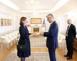Thaçi pranon letrat kredenciale nga ambasadorja e re e Panamasë