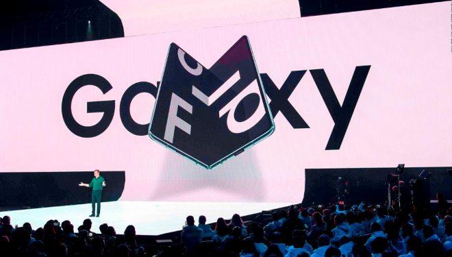 Samsung në telashe, ekrani i Galaxy Fold thyhet me dy ditë përdorim