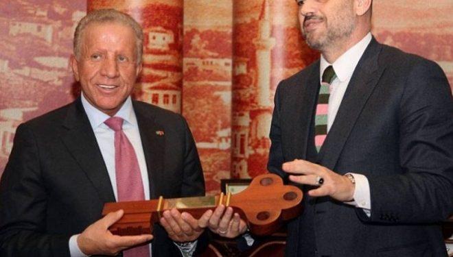 Edi Rama e përzë edhe Behgjet Pacollin nga Shqipëria