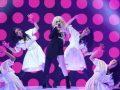 Aktorja e 'Hollywood'-it e mahnitur me performancën e Ava Max