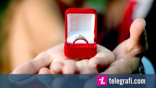 Dallimi mes unazës me diamant origjinal dhe tjetrës që ka gur të përpunuar (Foto)