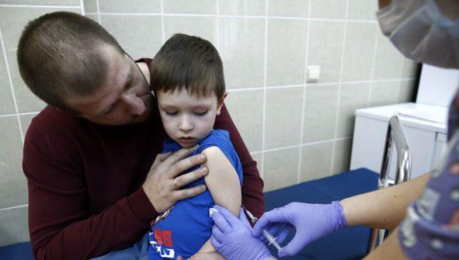 Ngritet niveli i vaksinimit pas përhapjes së fruthit në Maqedoninë e Veriut
