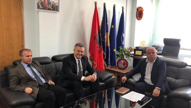 Hoti takohet me Kryetarin e Rahovecit, Smajl Latifi