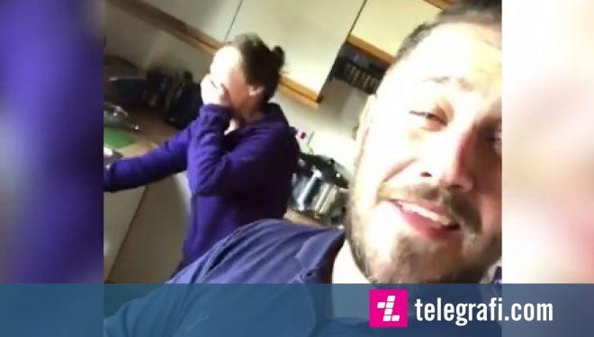 I dehur përfundoi atje, në mëngjes e kuptoi se ishte në shtëpinë e gabuar – pronarët e befasojnë me sjelljet e tyre (Video)