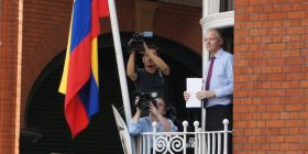 Përkeqësohet gjendja shëndetësore e Assange në burg