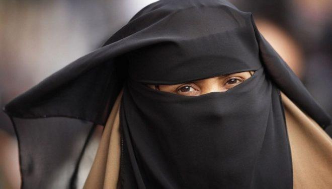 KMDLNj: Përdorimi i burkas në vende publike të ndalohet me ligj