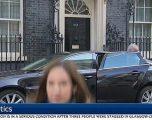 """""""Po vjen ministri"""": Gazetarja detyrohet të largohet me shpejtësi nga pamjet e kamerës (Video)"""
