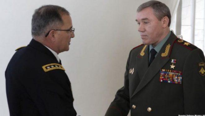"""Rusia bisedon me NATO-n për """"bashkëveprimet ushtarake"""""""