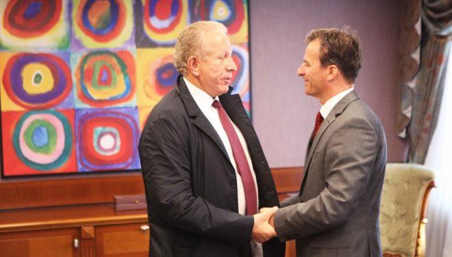 Pacolli takohet me ambasadorin e Sllovenisë të akredituar në Kosovë