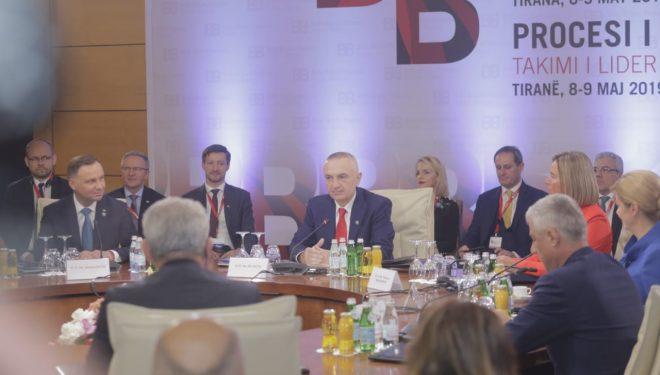 Pse refuzoi drekën me Metën, Vuçiqin dhe Dodikun? – flet Presidenti Thaçi