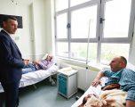 Veseli viziton policët e plagosur në aksionin në Veri – të pakompromis ndaj krimit