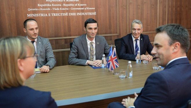 Shala priti në takim ambasadorin O'Connell, flasin për përkrahjen ekonomike të Kosovës