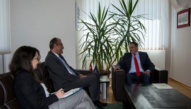 Matoshi dhe ambasadori i Turqisë, Sakar dakordohen për bashkëpunim në fushën e mjedisit