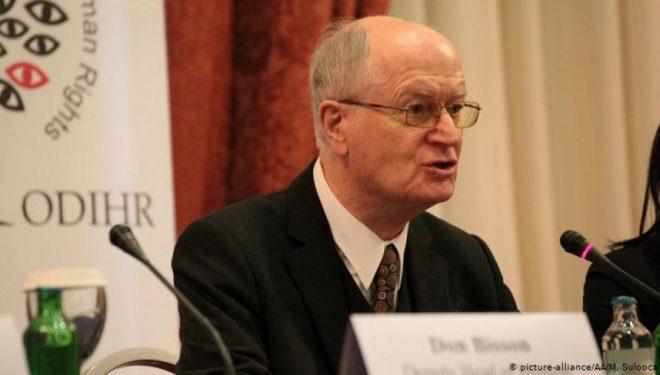 Geert Ahrens rikujton historinë e negociatave për Kosovën, që i paraparin luftës